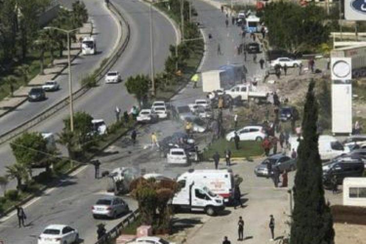 Türkiyədə yol qəzasında 5 nəfər ölüb, 15 nəfər yaralanıb