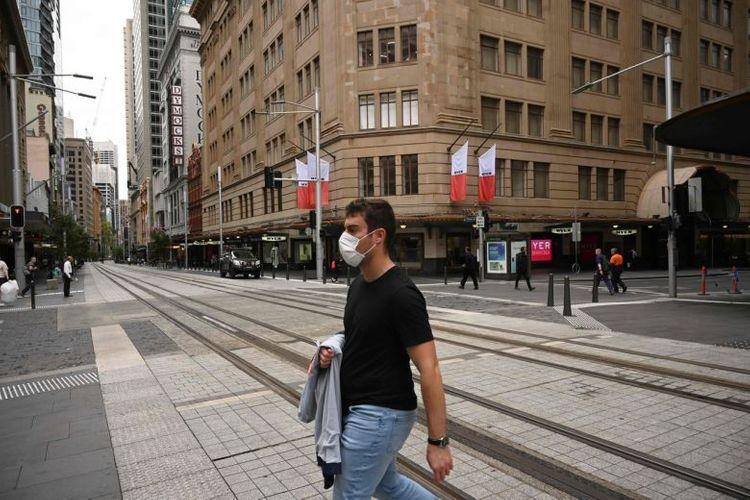 Australia closes internal borders to capitalise on fall in new coronavirus cases