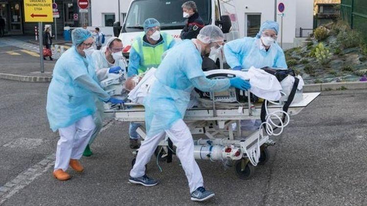 Во Франции от коронавируса умерло более 8 тысяч человек