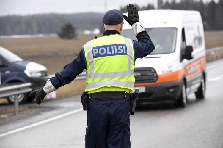 Finland extends border controls until May 13