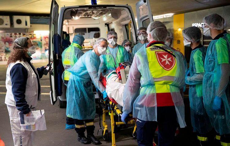 Во Франции число умерших после заражения коронавирусом превысило 12 тыс.