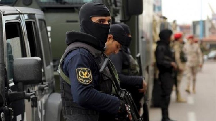 Egyptian security exchanges gunfire with a