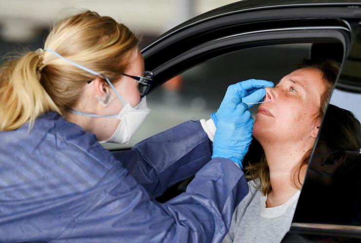 Dutch coronavirus cases rise by 734 to 28,153