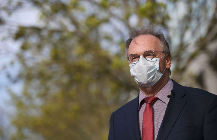 German State of Saxony introduces mandatory face masks amid ease of lockdown measures - <span class=