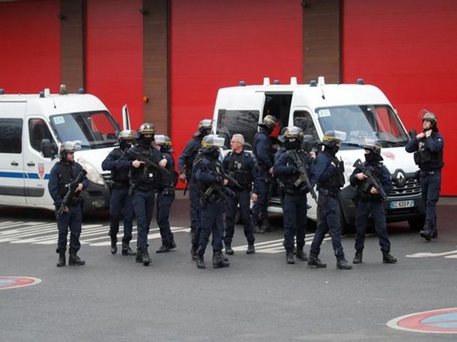 More unrest, vandalism break out in Paris suburbs