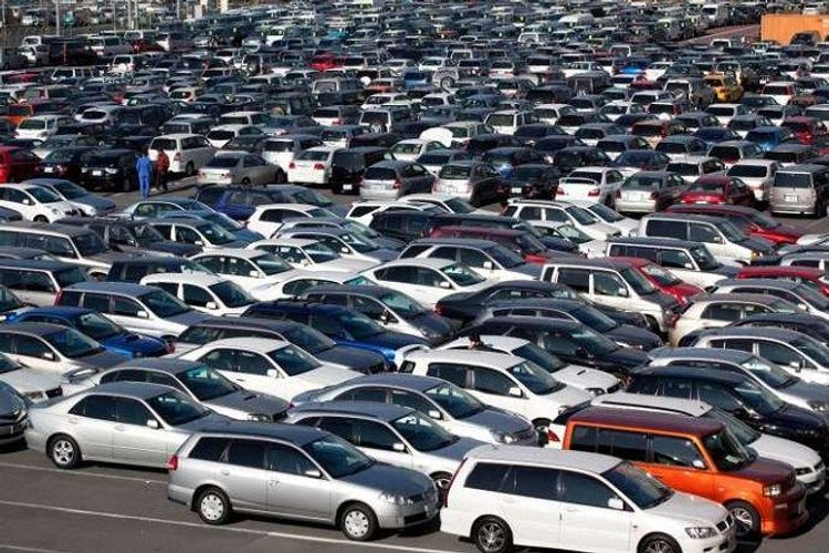 Car sales in Russia may fall by 30% amid crisis