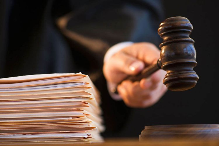 В отношении представителя главы ИВ Исмаиллинского района избрана мера пресечения в виде ареста