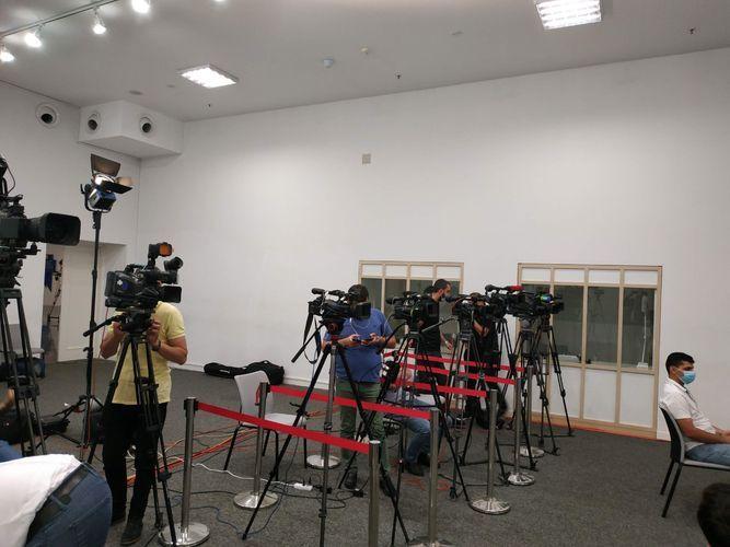 Оперштаб ответил на утверждения о несоблюдении правил карантинного режима на брифингах