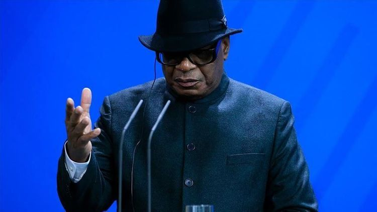 Mali's president resigns after military mutiny