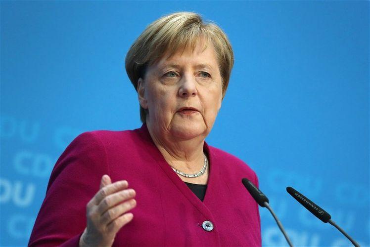 Lukaşenko Merkellə danışmaqdan imtina edib