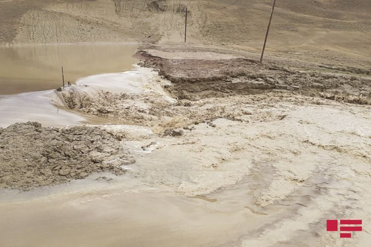 Yevlaxın Əkşəm kəndini sel basıb