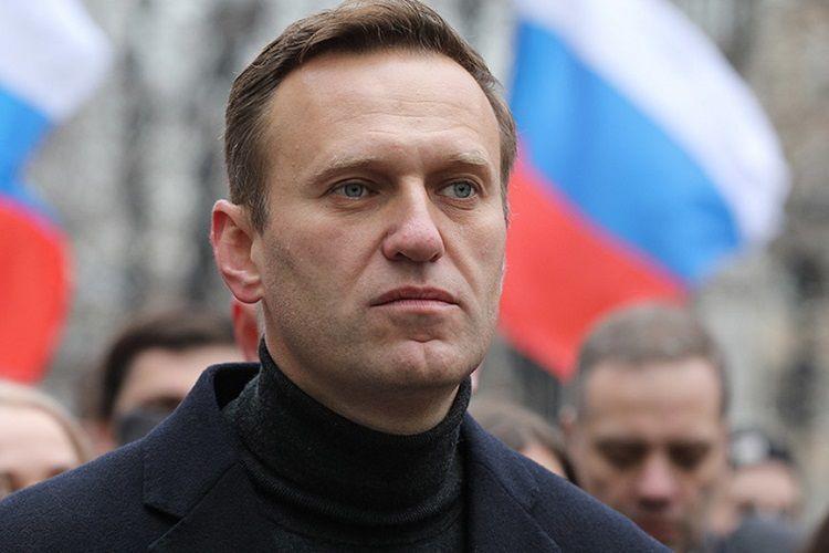 "EU calls for ""independent"" probe into Navalny case"