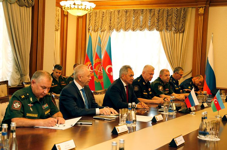 Azerbaijani defence minister meets with Russian counterpart