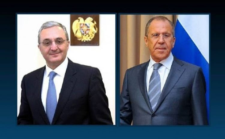 Armenian and Russian FMs hold telephone conversation