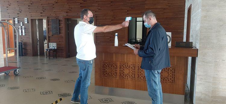 В отелях, работающих в период пандемии, проводятся мониторинги