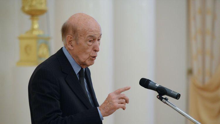 От коронавируса умер бывший президент Франции Валери Жискар д