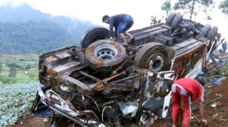 В Зангилане перевернулся грузовик, есть погибший