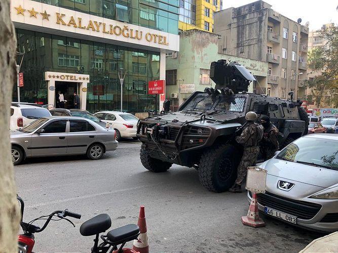 В Турции задержан мужчина, убивший одного полицейского, и ранившего другого - ОБНОВЛЕНО