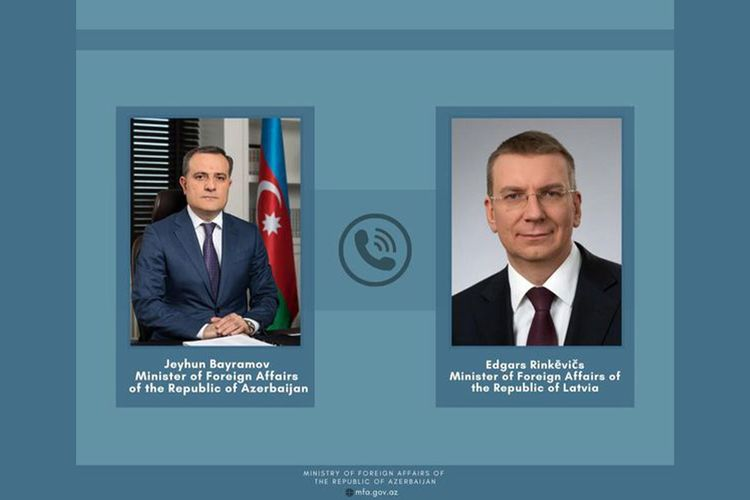 Azərbaycan və Latviya XİN başçıları arasında telefon danışığı olub