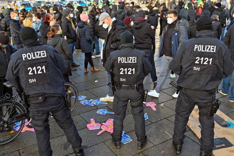 German police break up banned coronavirus demonstration