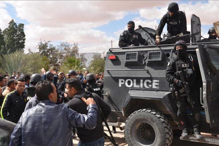 Tunisdə kütləvi qarşıdurma zamanı azı 30 nəfər yaralanıb