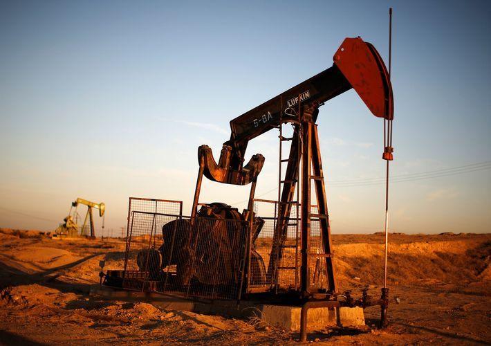 Средняя цена на азербайджанскую нефть за неделю выросла на 2,5%