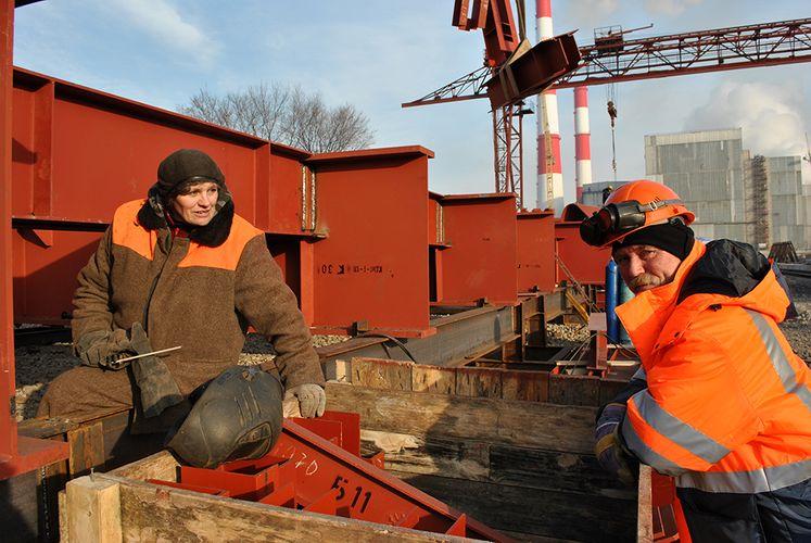 В России женщины смогут с 1 января заменить мигрантов на стройках