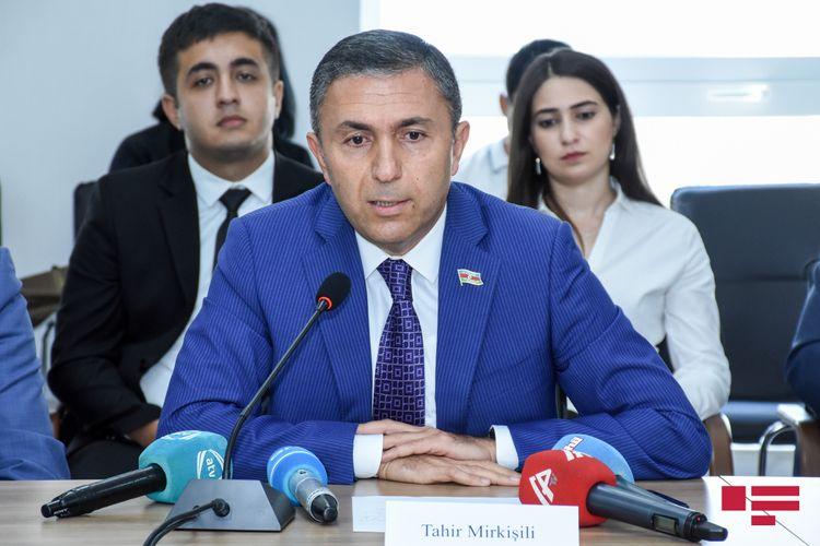 """Tahir Mirkişili: """"Banklarda kredit faizləri yüksəkdir"""""""
