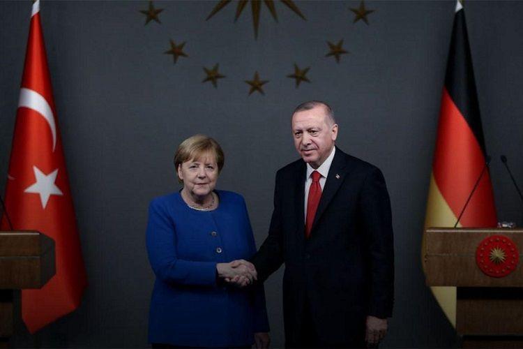 Эрдоган и Меркель обсудили отношения Турции и ЕС
