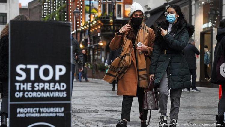 Британия ужесточает ограничения из-за распространения нового штамма коронавируса