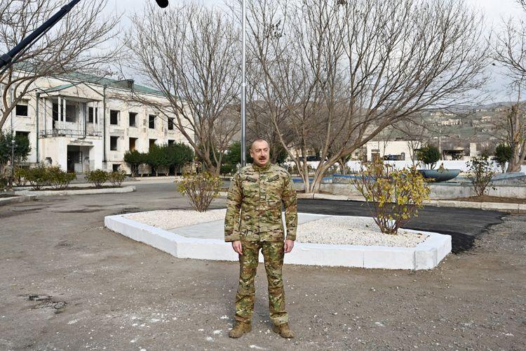 Президент Азербайджана: Разве будет культурный человек содержать в мечети свиней?