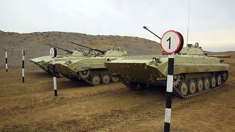 Azərbaycan Ordusunun bölmələrində döyüş hazırlığı üzrə dərslər keçirilir - VİDEO