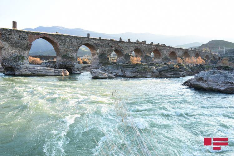 Избавившийся от боли Карабаха Худаферин. Мост разлуки - РЕПОРТАЖ - ФОТО