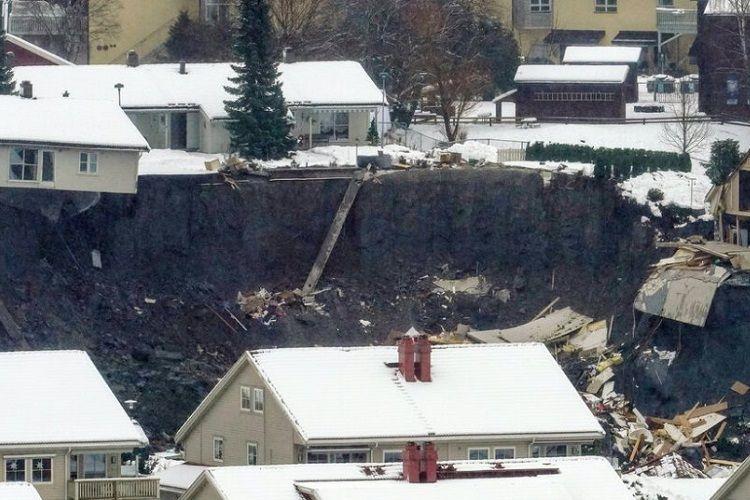 Norveçdə torpaq sürüşməsi baş verib, 12 nəfər itkin düşüb