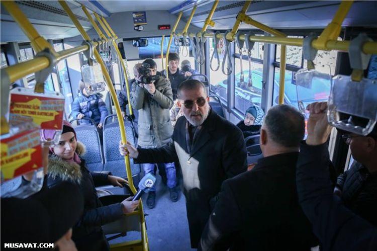 ® Rauf Arifoğludan kreativ addım: Seçicilərin problemlərini ictimai nəqliyyatda dinlədi