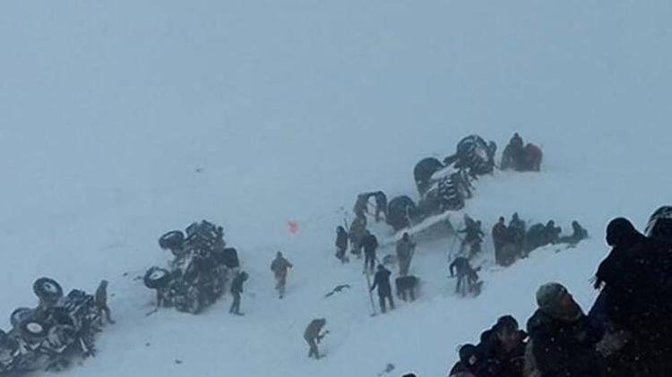 Число погибших при сходе лавины в Турции возросло до 41 - <span class=