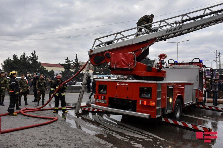 МЧС распространил информацию в связи с пожаром в жилом комплексе Cənnət Park
