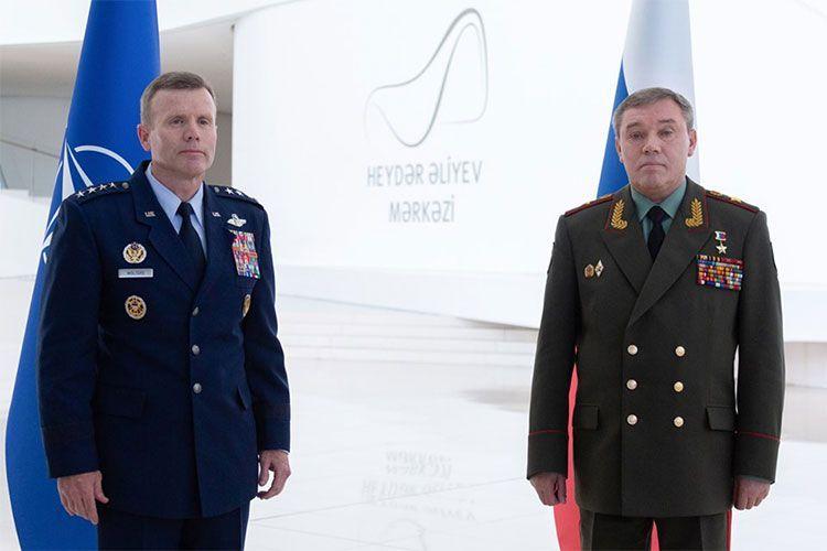 В Баку состоялась встреча начальника Генштаба ВС РФ и главнокомандующего Объединенными силами НАТО в Европе