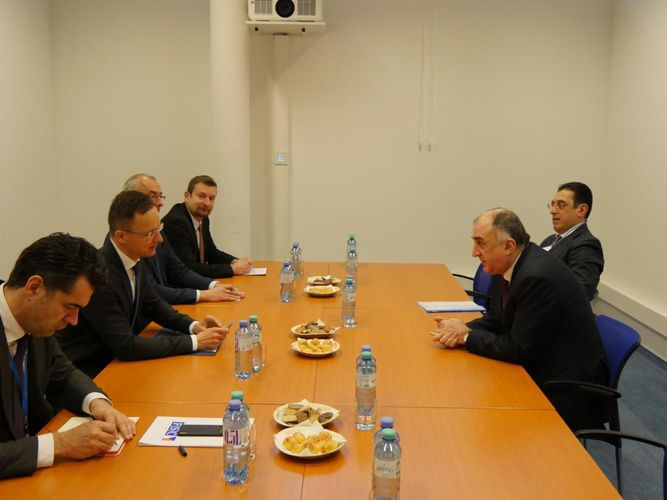 Azerbaijani FM meet with Minister of Foreign Affairs and Trade of Hungary