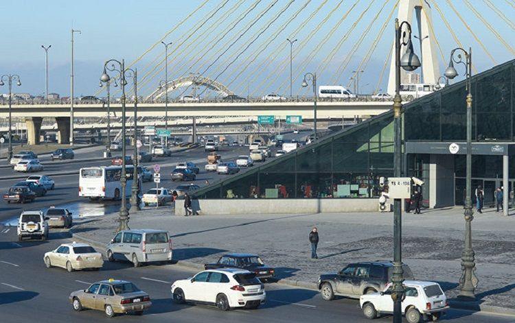 В Баку автомобиль сбил насмерть 86-летнего пешехода