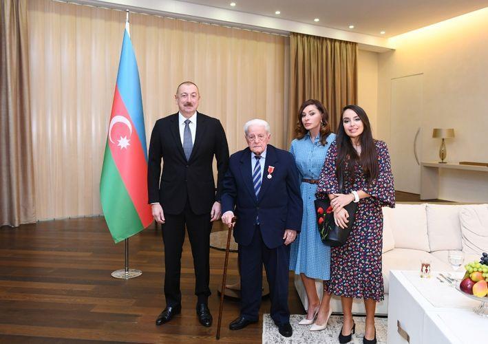 "President Ilham Aliyev presents ""Sharaf"" Order to People's Artist Alibaba Mammadov"