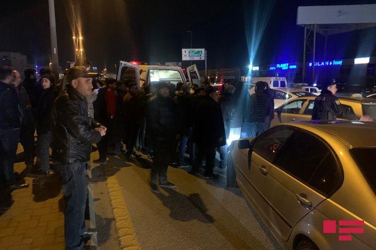 Водитель получил открытую черепно-мозговую травму при ДТП в Баку - <span class='red_color'>ФОТО</span>