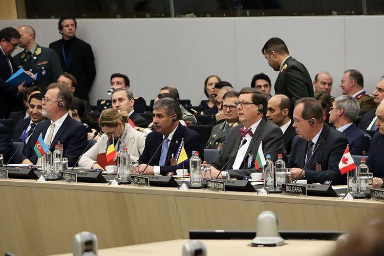 Министр обороны Азербайджана принял участие в заседании НАТО