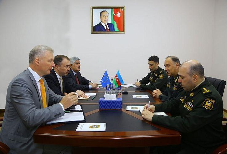 Замминистра обороны Азербайджана встретился со спецпредставителем Евросоюза
