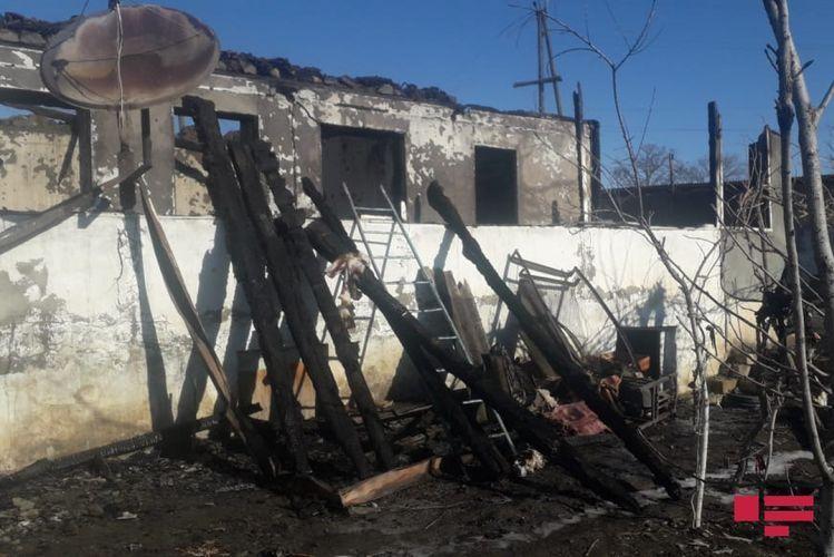 Пострадавший в результате пожара в Шамкире 9-летний ребенок умер в больнице