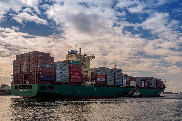 Dəniz quldurları Nigeriya sahillərində konteyner gəmisini ələ keçiriblər