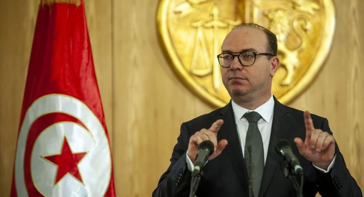 Tunisian PM introduces new coalition government