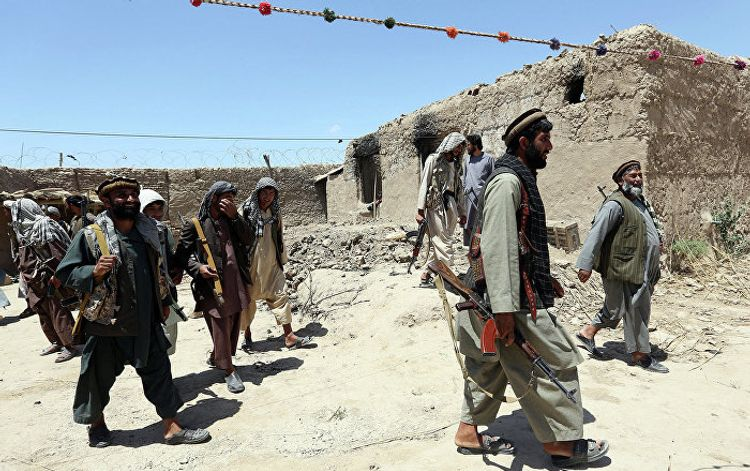 Представитель США обсудил с президентом Афганистана сделку с талибами о сокращении насилия