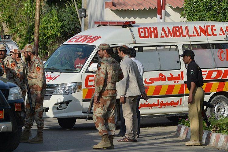 Pakistanın Karaçi limanında zəhərli qazın sızması nəticəsində 5 nəfər ölüb