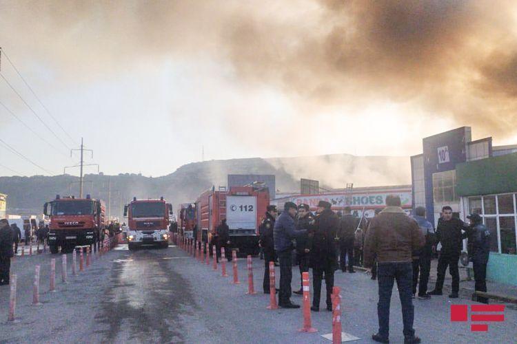 "Azerbaijani MES extinguishes the fire at ""Sadarak"" Shopping Centre in Baku - PHOTO - VIDEO - UPDATED-2"